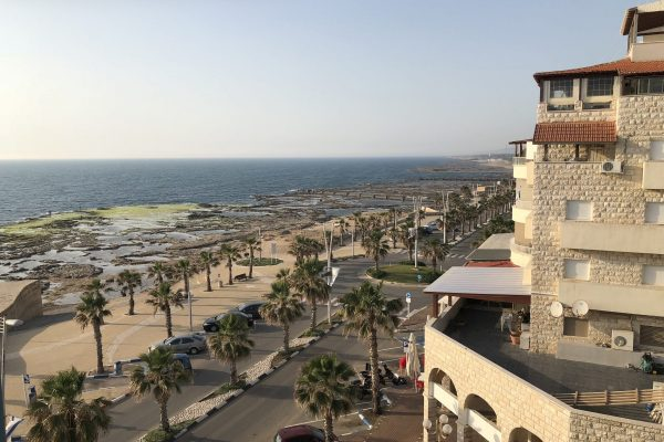 Sea front apartment in Acre